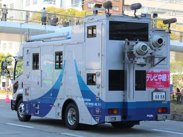 フジテレビ 4K対応移動中継車「R-1」(後部)