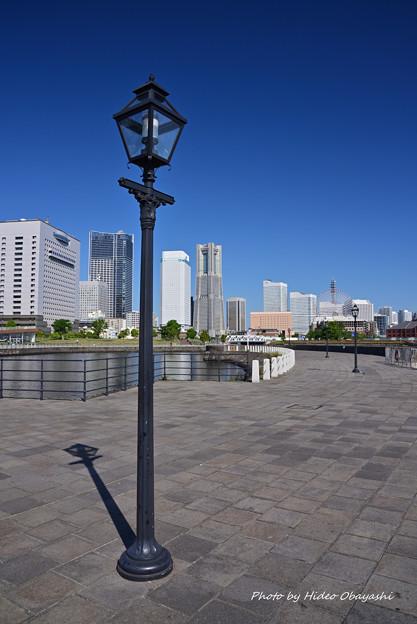 横浜港象の鼻防波堤にて