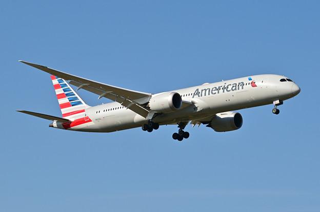 アメリカン航空 N820AL