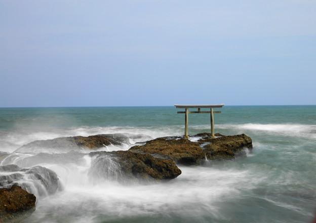 210425_56K_鳥居と磯・長秒・RX10M3(大洗磯前神社) (85)