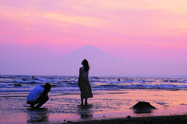 190526_69F_富士山の前で・上手く撮ってね・S18200(片瀬西浜) (10)