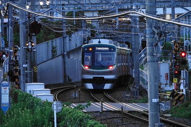 210718_06Y_夕方の駅・7000系・RX10M3(多摩川) (52)