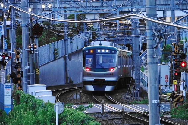 210718_06Y_夕方の駅・7000系・RX10M3(多摩川) (51)