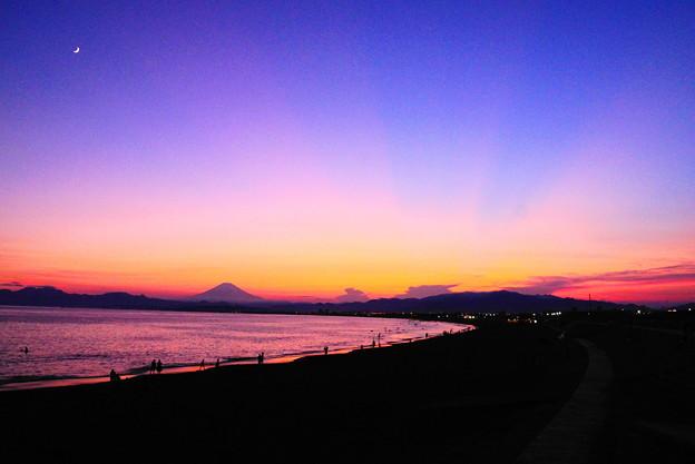 190804_63Y_夕景です・S18200(片瀬西浜) (17)