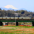 Photos: 200325_10N_南武線と富士山・RX10M3(是政橋) (4)