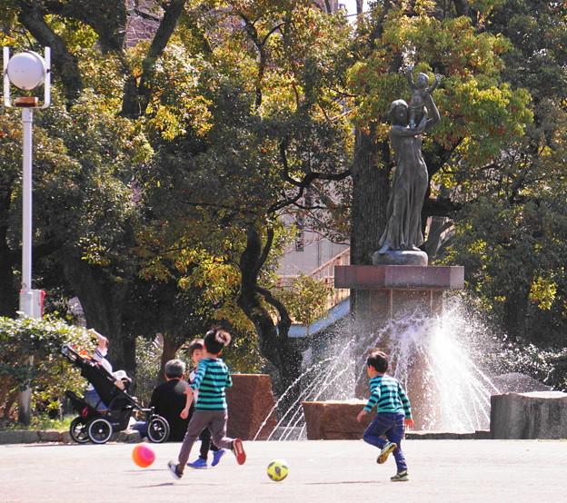 190324_51F_噴水広場で・S18200(平和公園) (48)