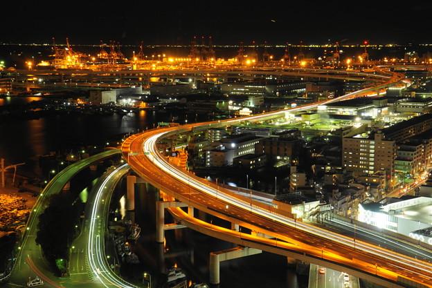 190107_71S_夜の首都高狩場線・S18200・α60(マリンタワー) (1)