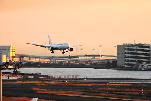 200120_51H_展望デッキからの眺め・RX10M3(羽田空港) (546)