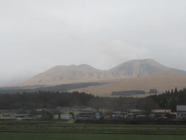 ベージュ色の山