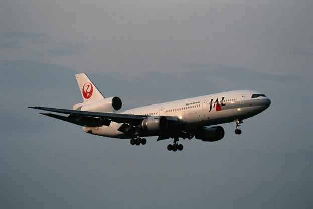 DC-10-40 JA8548 JAL CTS 1999