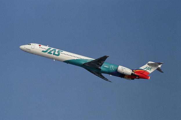 Photos: MD-90-30 JA8069 JAS CTS 1997