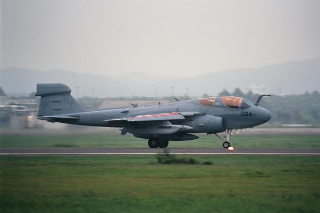 Photos: EA-6B 163399 NF504 VAQ-136 CTS 2000.08