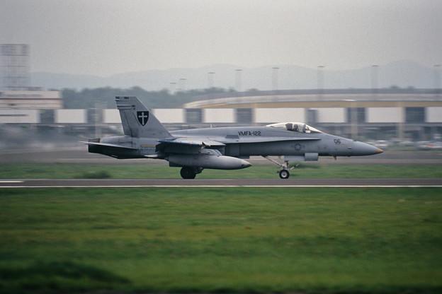 FA-18A 163160 BM-06 VMFA-122 CTS 2000