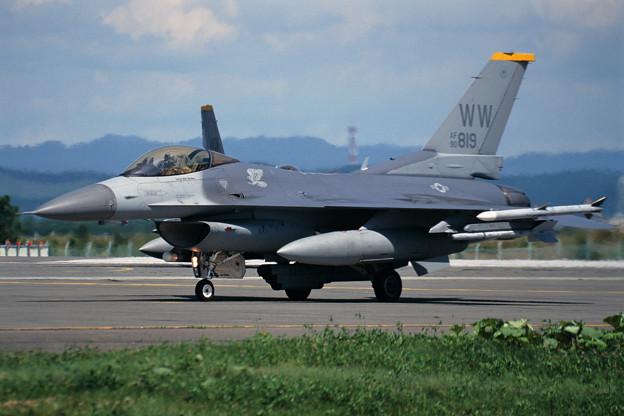 F-16C 90-0819 WW 14FS CTS 2000