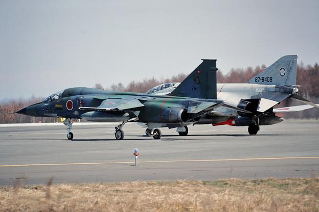 F-1 8259 3sq+F-4EJ CTS 1990