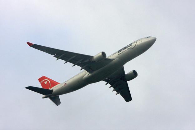 A330-200 N853NW NWA CTS 2008