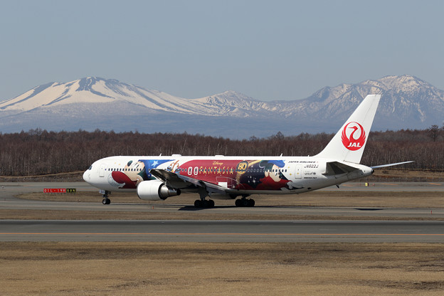 Boeing 767-300 JA622J Fantasia 80years Anniversary