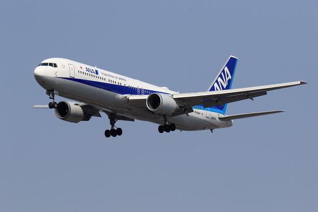 Boeing 767-300 JA617A ANAとAirJapan共用機