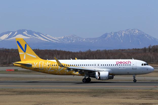A320 JA08VA PeachとVanillaのHybird JA08VA(1)