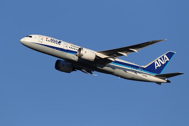 Boeing 787-8 JA878A ANA takeoff