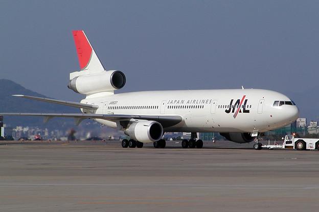 DC-10-40 JA8537 JAL HKD 2003