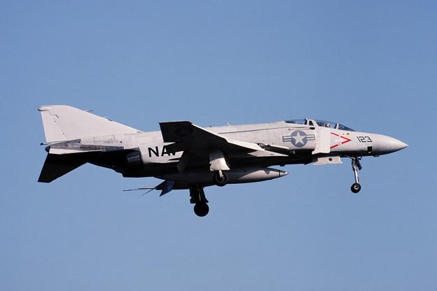 USN F-4J 158372 NF123 VF-161 Atsugi 1981