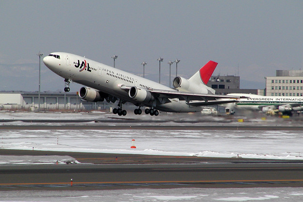 DC-10-40 JA8541 JAL CTS 2005