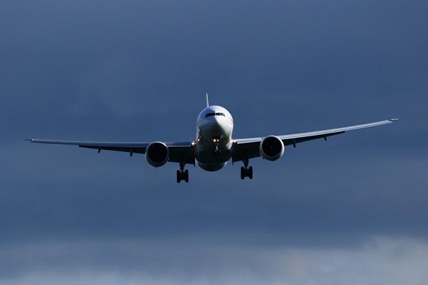 Boeing 777 Cygnus12 approach (1)
