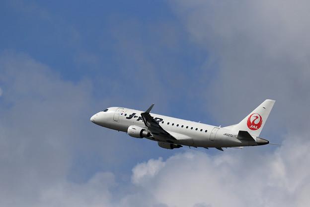 ERJ-170 JA227J J-AIR takeoff