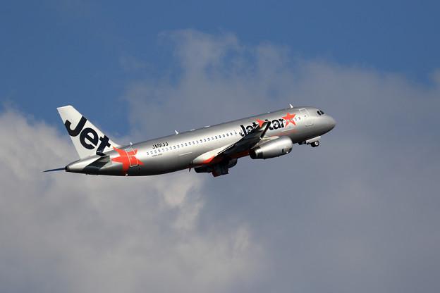A320 JA01JJ Jetstar takeoff