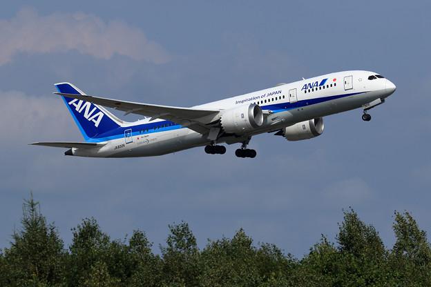 Boeing787 JA832A ANA taikeoff