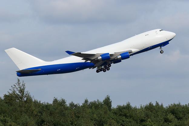 Boeing747-400F A6-GGP Dubai Air Wing takeoff (1)