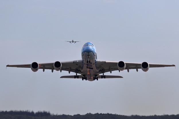 A380 ANA JA381A takeoff 1