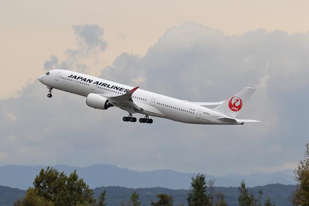 A350 JA11XJ JAL takeoff