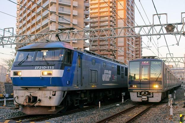 2065レ【EF210-115牽引】