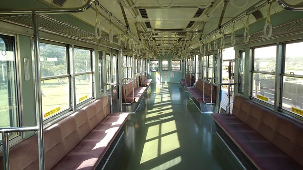 Odakyu 2600 interior (seats not original)