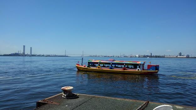船・名古屋港遊覧船3