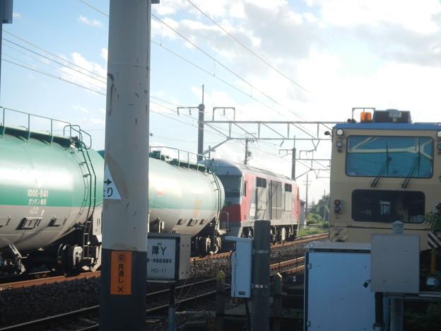 DF200 hauls tanker train on Kansai Line