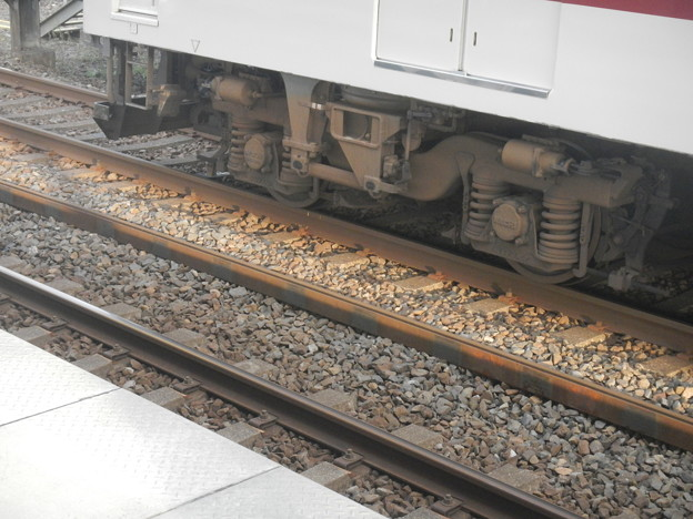 Kintetsu eighty's typical bogie with SWS technology