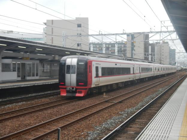 Meitetsu 2200 @ Horita (soft focus)