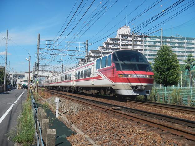 Meitetsu 1000 Panorama Super (leading 2 cars)