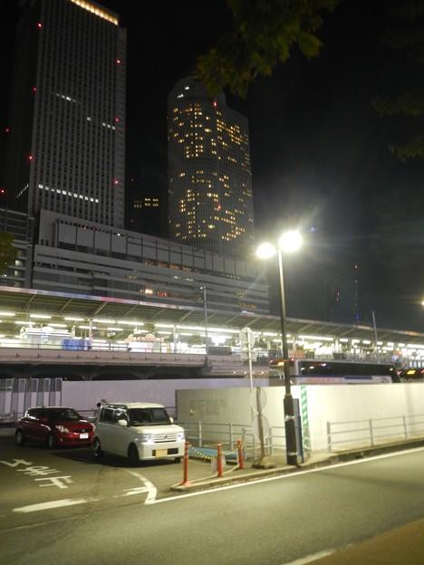 DSCN5904JRツインタワーと新幹線乗り場