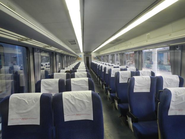 Seibu 10000 interior (2)