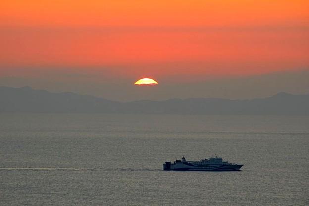 日の出と船(1)