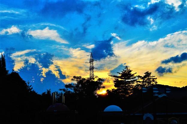 機影飛ぶ 冒険の森の 秋の夕暮れ@びんご運動公園21.9.23