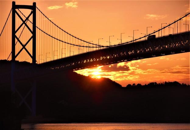 因島大橋の秋の夕暮れ@しまなみ海道@布刈瀬戸(海峡)21.10.8