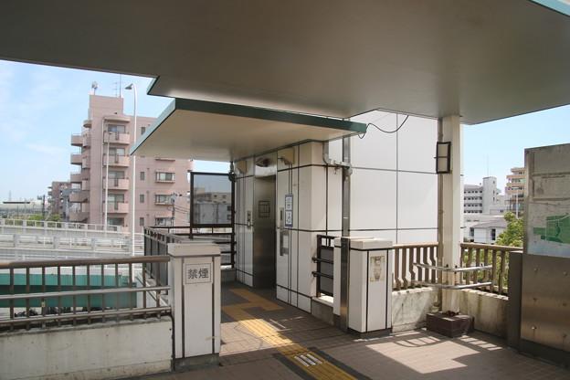 幕張本郷駅(JR/京成) 南口エレベーター