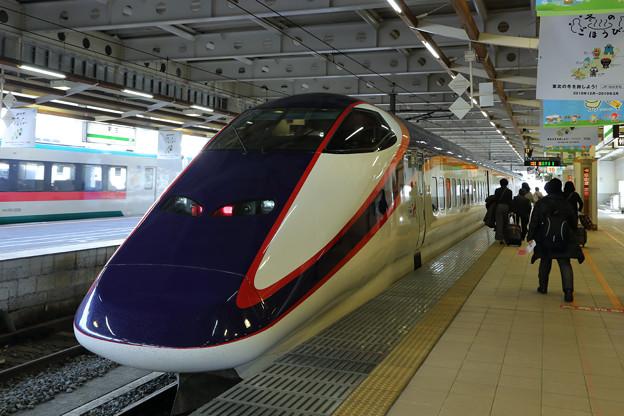山形新幹線E3系@新庄駅