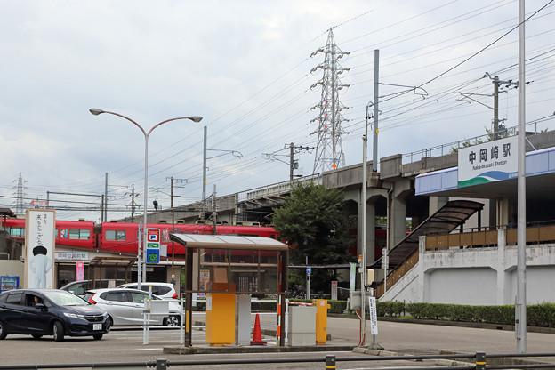中岡崎駅と岡崎公園前駅