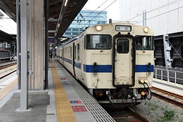 三角線キハ147@熊本駅